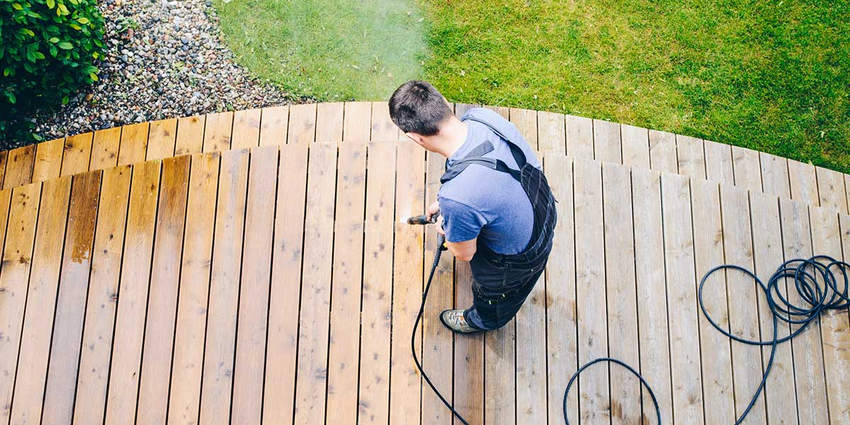 Summer Home Maintenance Tips to Spruce Up Your Curb Appeal